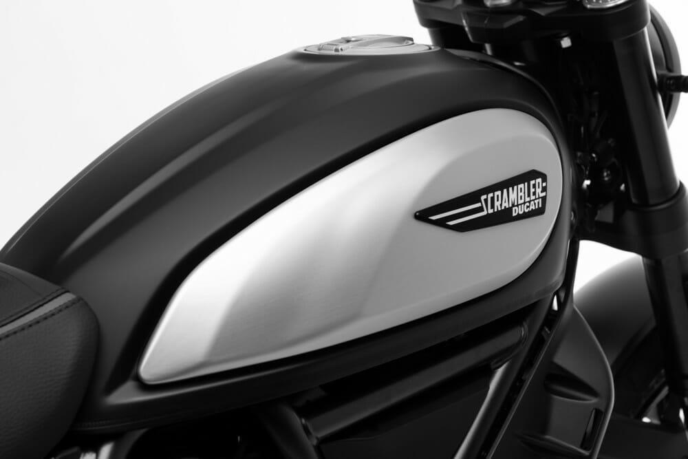 Ducati Scrambler Icon Dark 2020 года
