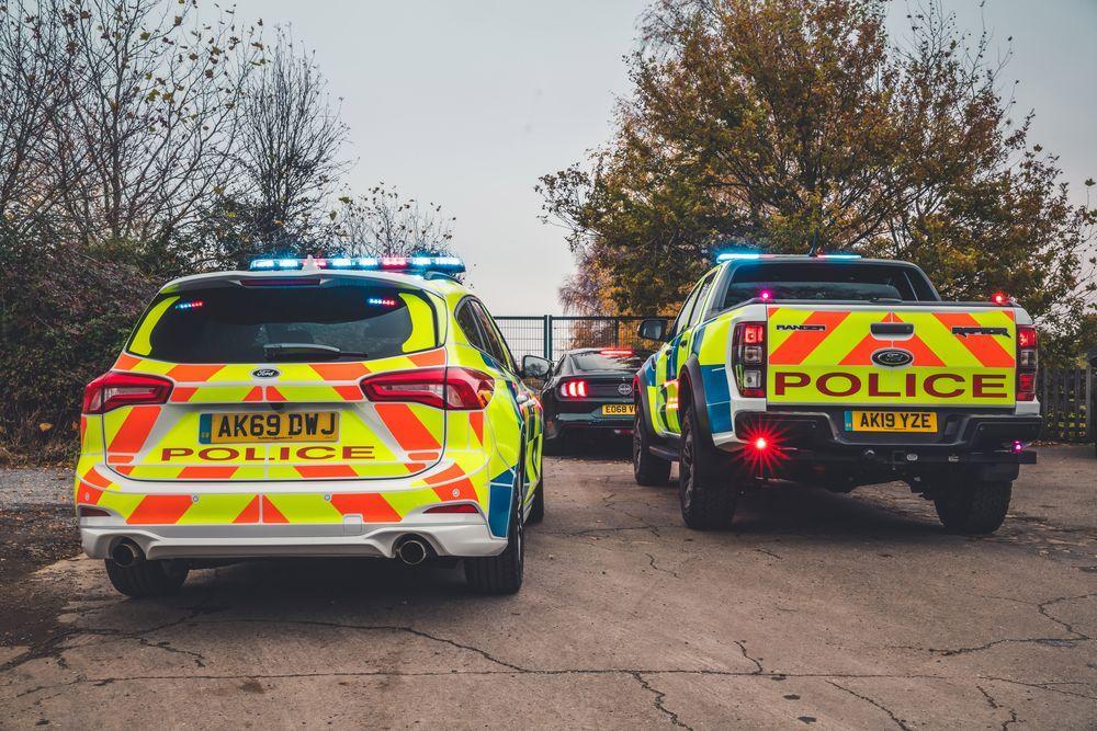 Ford Focus ST Estate Police и Ford Ranger Raptor Police 2019 года