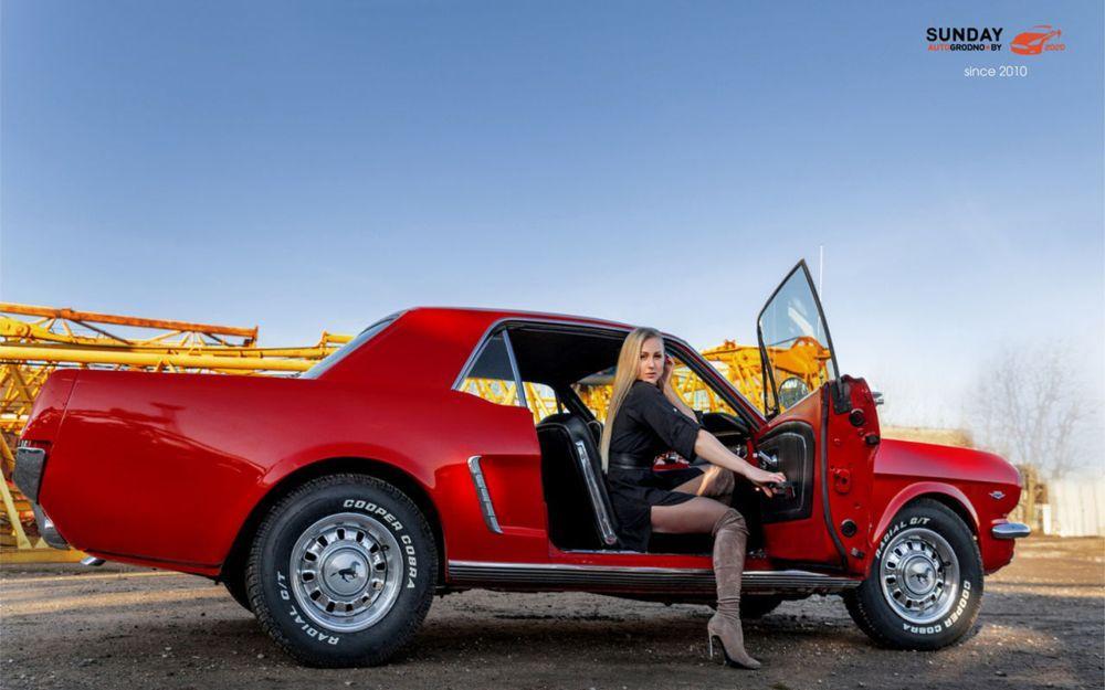 Татьяна Антончик из Минска и Ford Mustang 1965 года