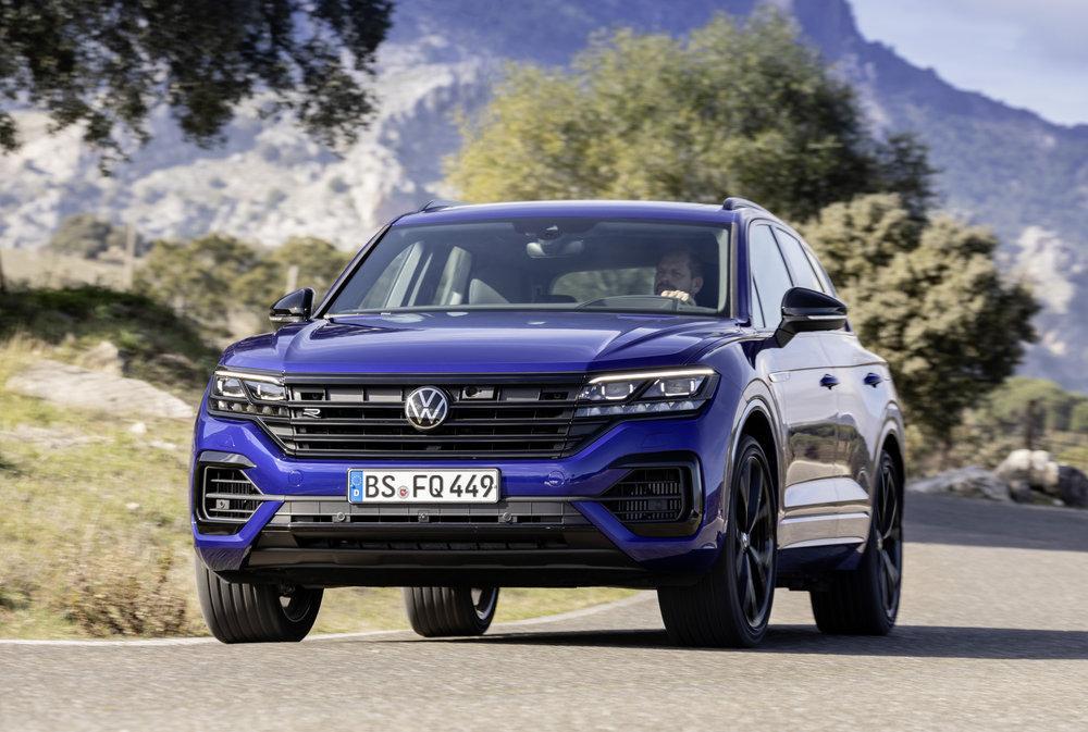 """Картинки по запросу """"Volkswagen Touareg R 2020"""""""