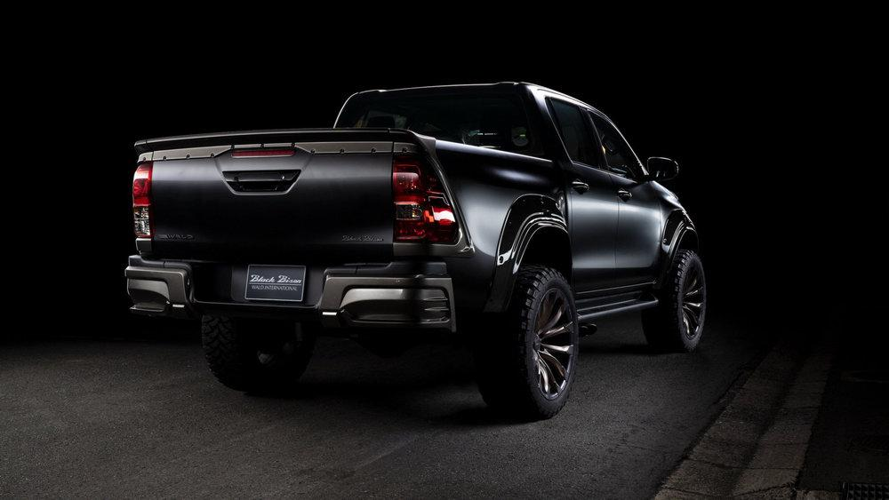 Toyota Hilux Double Cab Black Bison by Wald 2020 года