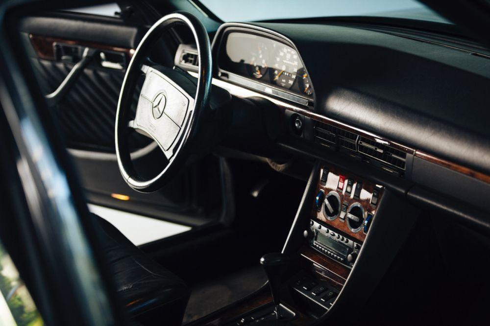 Mercedes-Benz 560 ТEL by Caro International 1990 года, Stuart Parr Collection