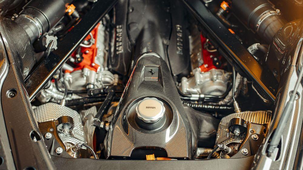 Ferrari SF90 Stradale 2019 года