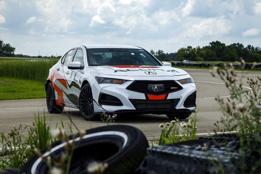 Acura TLX Type S Time Attack Pikes Peak 2020 года