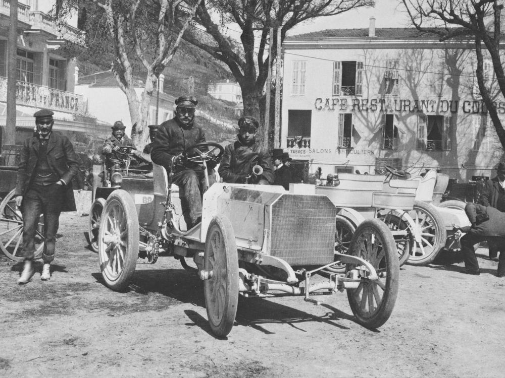 Mercedes 1900 год