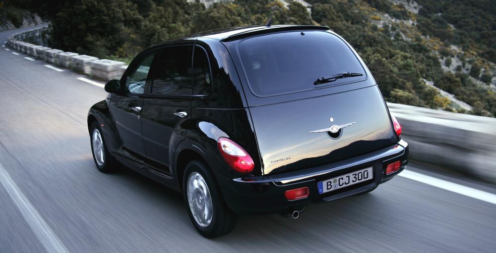 чёрный Chrysler PT Cruiser