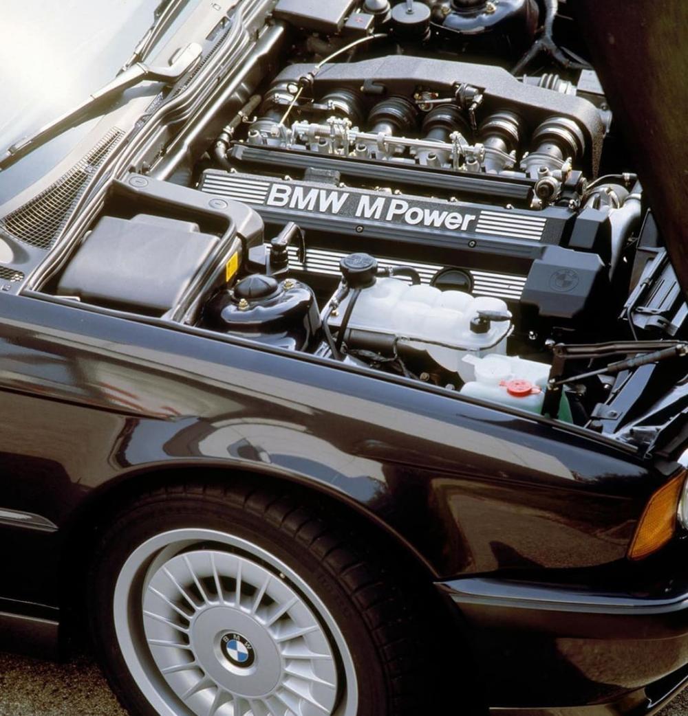 Под капотом BMW 520i E34