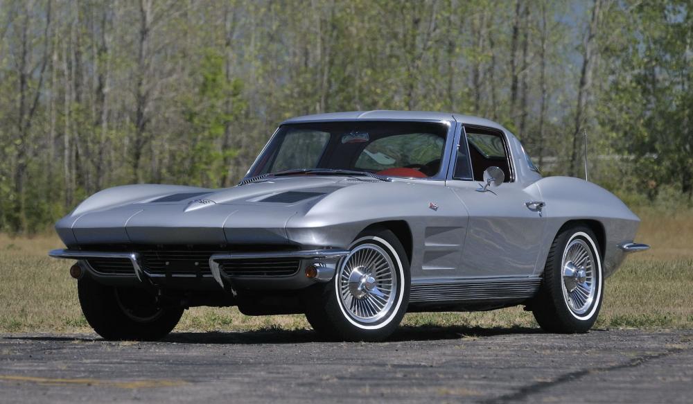 фото Chevrolet Corvette C2