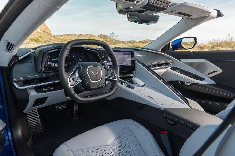 Интерьер Corvette Stingray