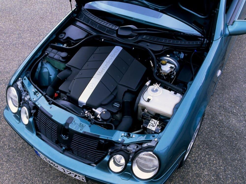 Под капотом Mercedes-Benz CLK 430