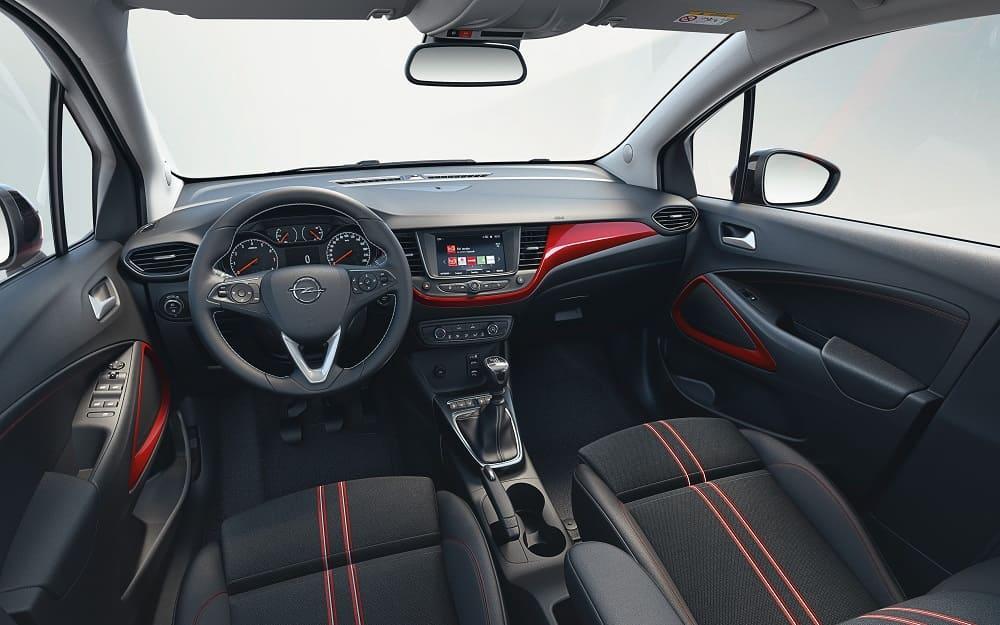 интерьер Opel Crossland