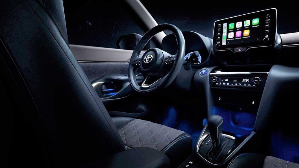 интерьер нового Toyota Yaris Cross