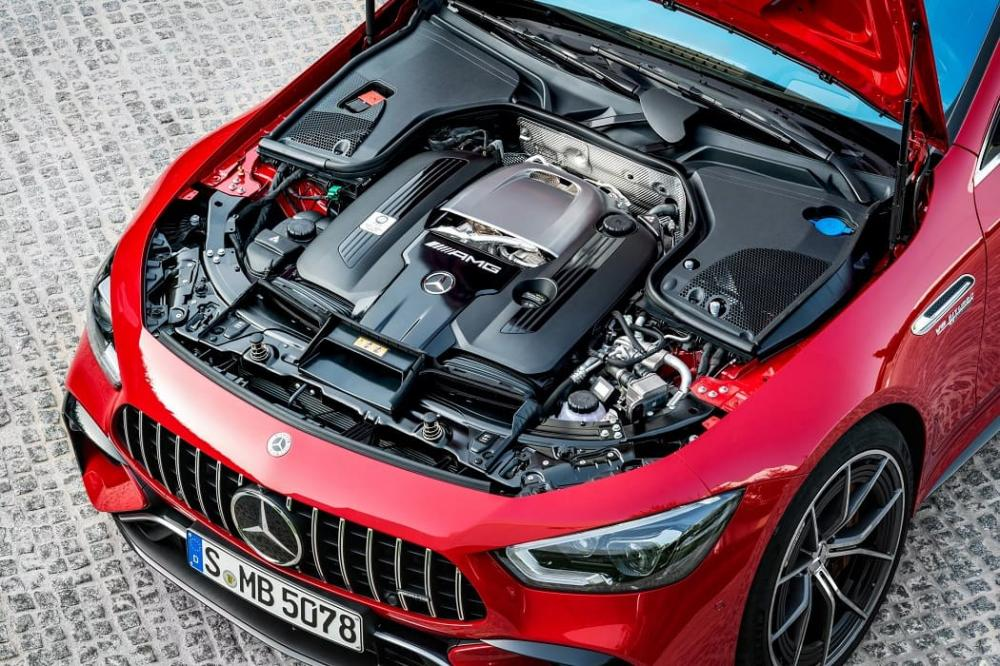 под капотом Mercedes-AMG GT63 S E Performance