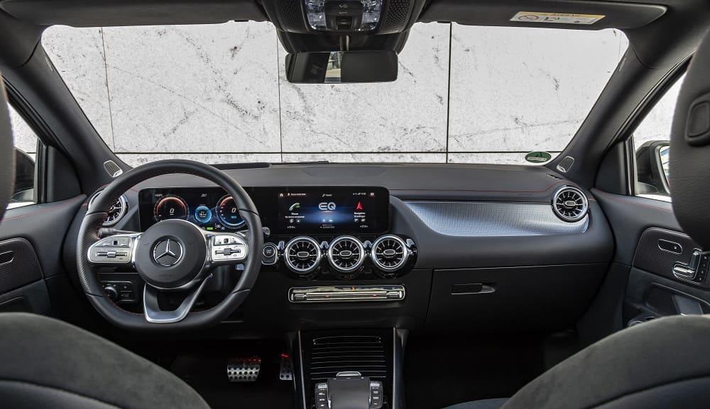 Mercedes-Benz EQA 250 AMG Line интерьер
