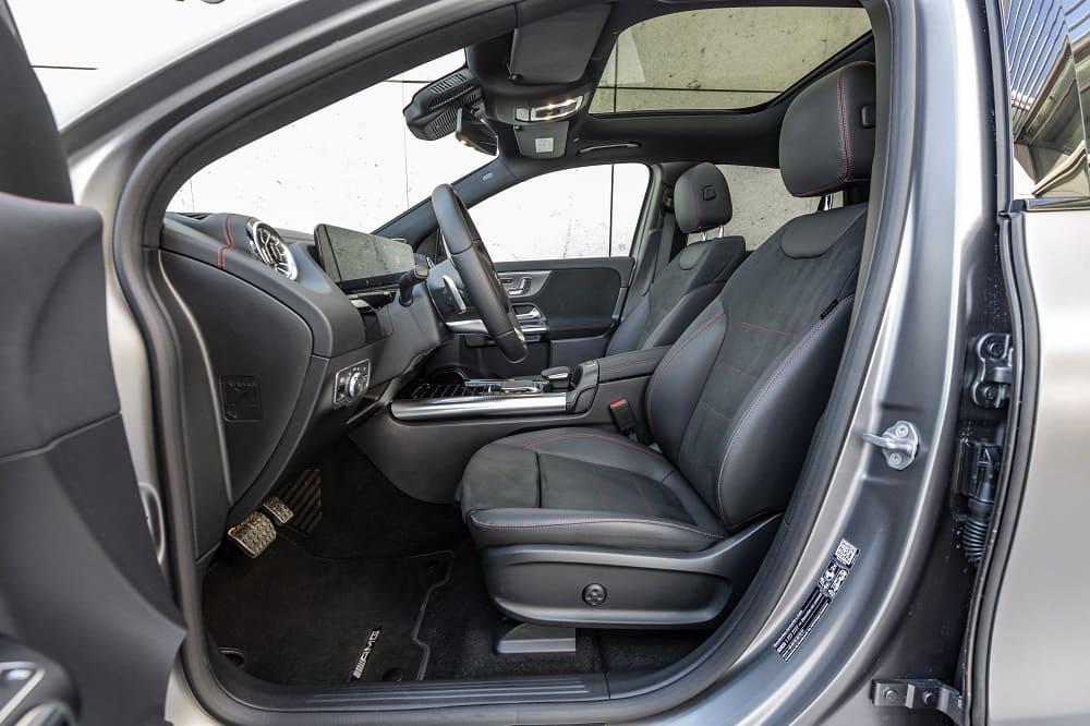 интерьер Mercedes-Benz EQA 250 AMG Line