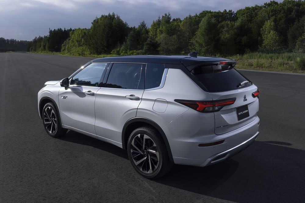 фото Mitsubishi Outlander PHEV 2022