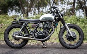 1988 Yamaha SR400 by Salty Speed Co