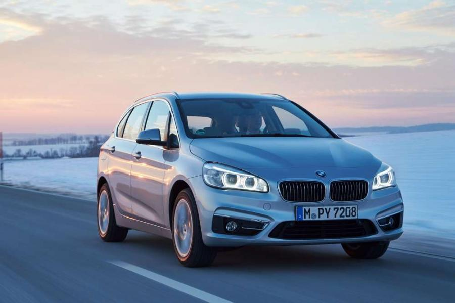 Состоялась премьера гибридного минивэна BMW 225xe Active Tourer 2016 м.г.