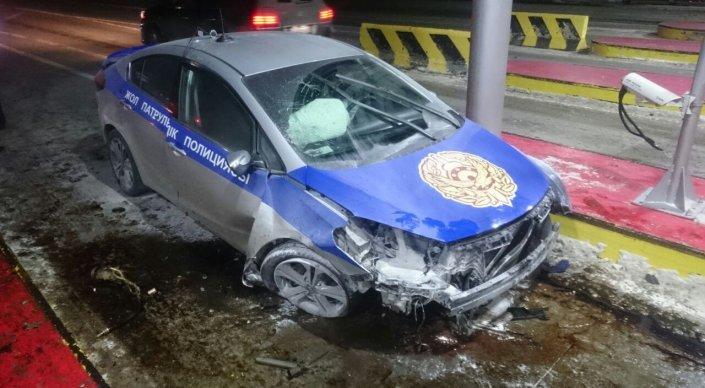 В Акмолинской области мужчина угнал полицейскую машину и совершил ... ee1f7e566c2