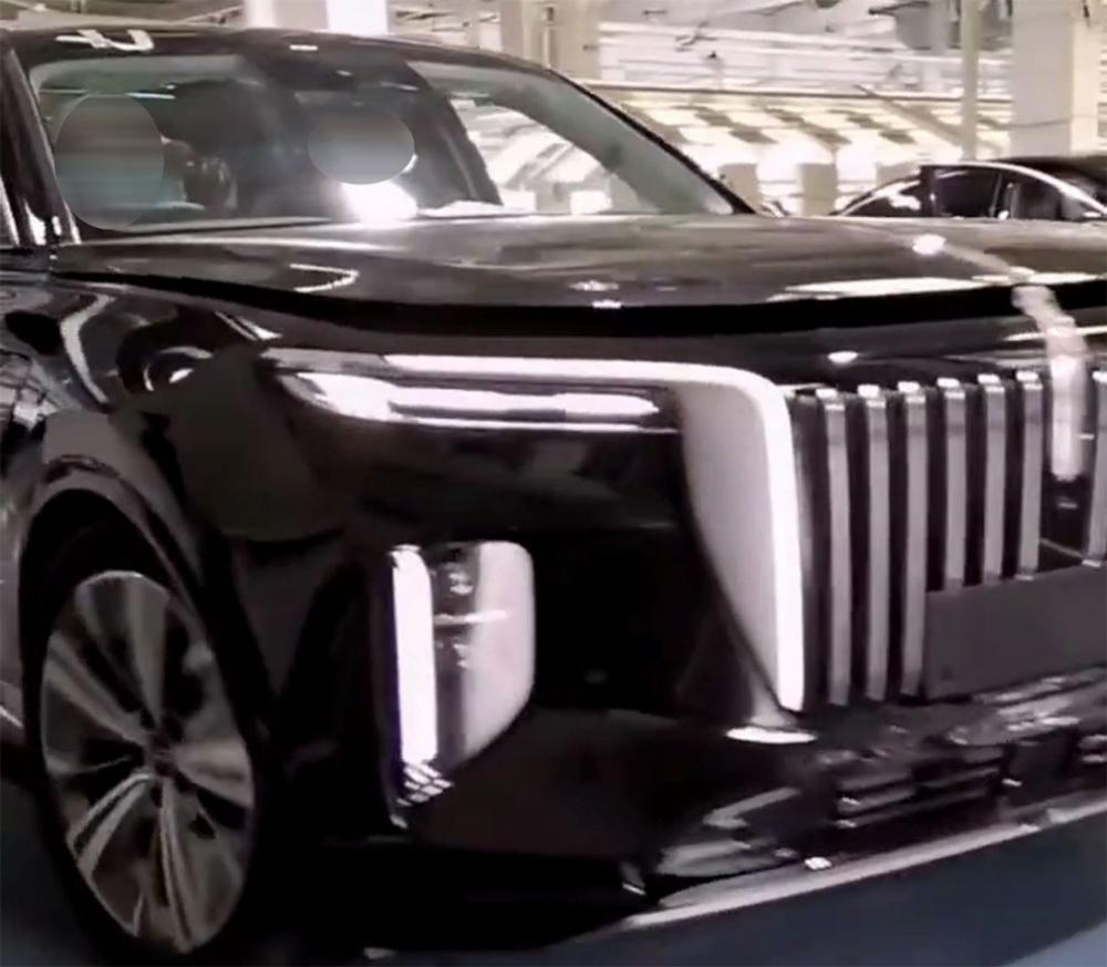 Появились новые снимки китайского конкурента Rolls-Royce и Aurus