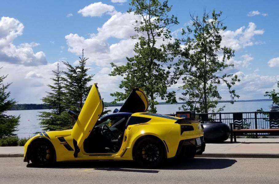 Слепой канадец прозрел и сразу купил Chevrolet Corvette