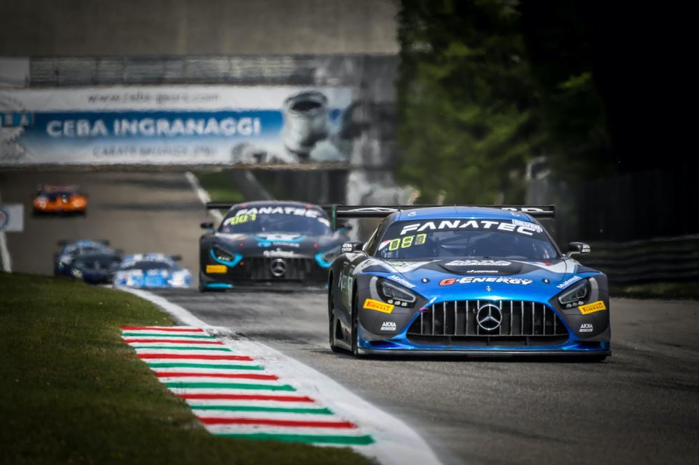 Спорткар Mercedes-AMG GT3