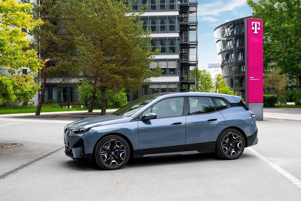 BMW iX оснащен сетью 5G
