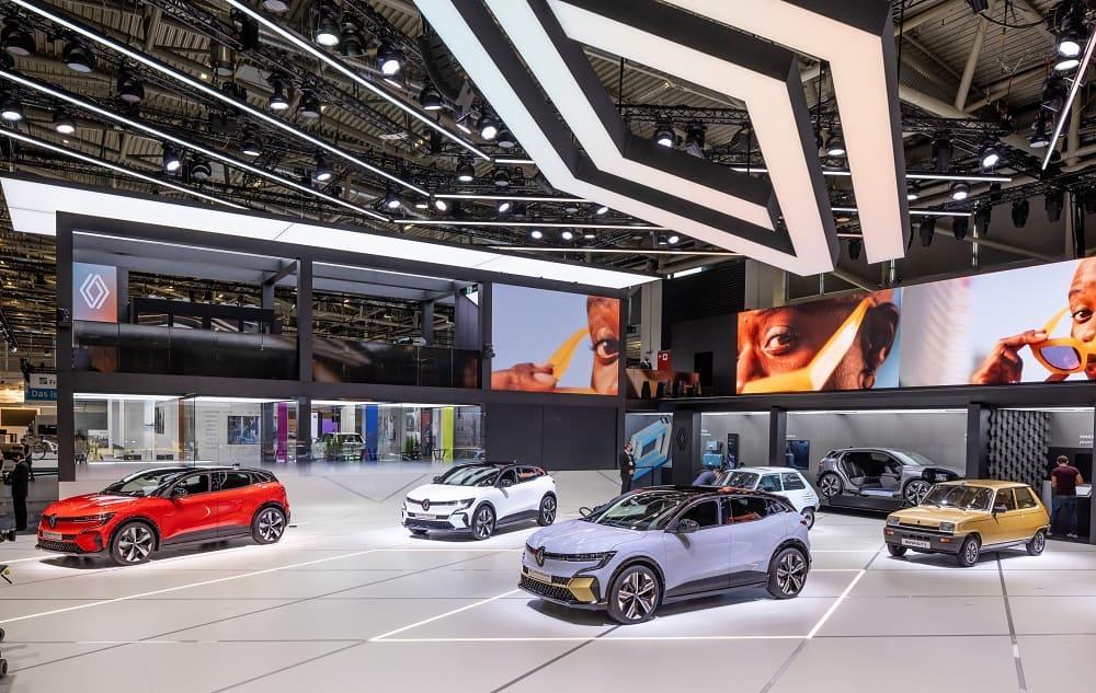 выставка Renault 5 и других моделей