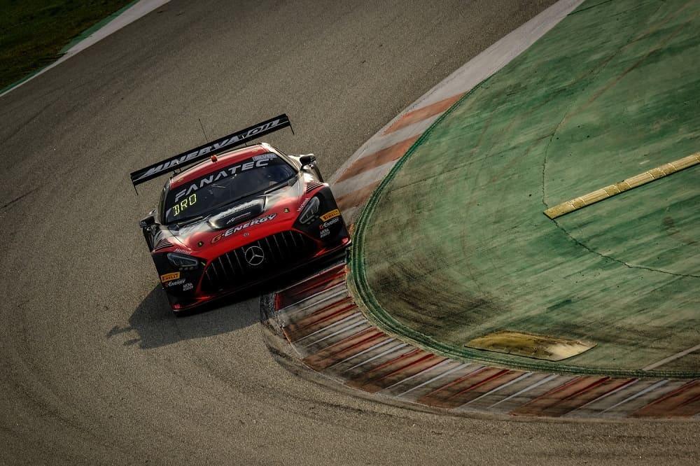купе Mercedes-AMG GT3 под №87