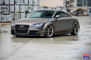 Audi TT on Vossen Wheels (VWS-3)