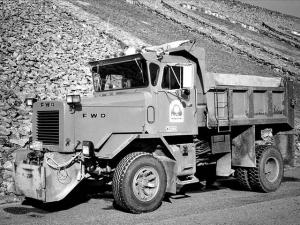 FWD Tractioneer CB-44
