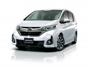 Honda Freed+ by Modulo