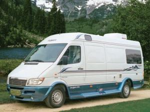 Leisure Travel Vans Free Spirit 210A