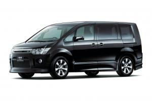 Mitsubishi Delica D:5 Roadest Royal Touring
