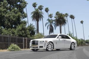 Rolls-Royce Ghost in White on Forgiato Wheels (Concavo)