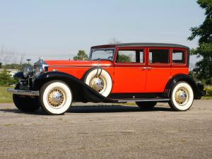 Stutz DV32 Sedan by LeBaron