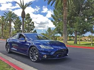 Tesla Model S 90D by Larte Design