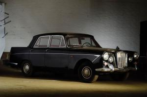 Wolseley 6/110 Saloon