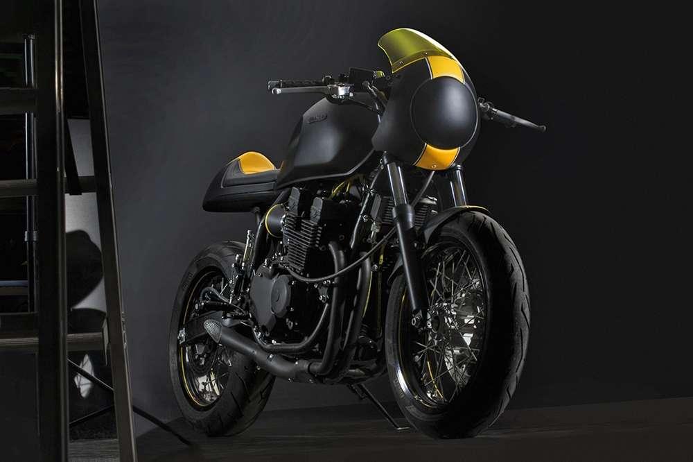 Yamaha xjr 400 cafe racer